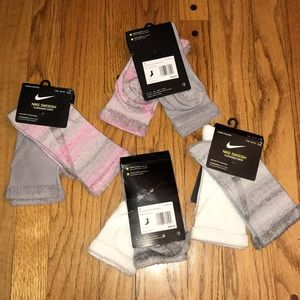 NWT NIKE SWOOSH CUSHIONED CREW SOCKS YOUTH 5Y-7Y